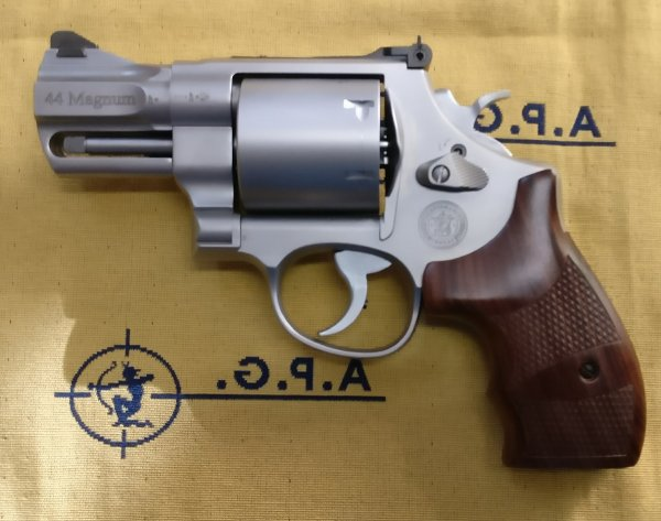 "Smith & Wesson mod. 629 2.5/8"" Performance Center cal. 44Mag"